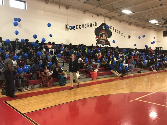 GHS Juniors and Seniors Go Blue for Fallen Officer at GEAR UP Alabama Kickoff